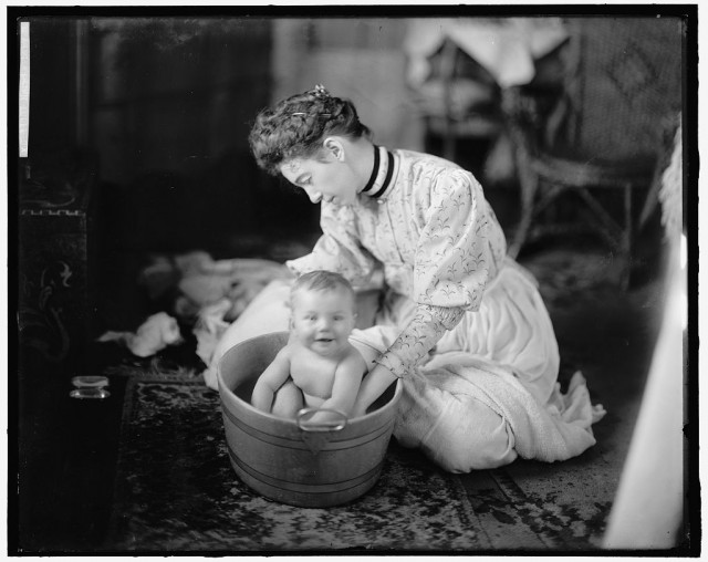 harris-martha-baby-being-washed-1024