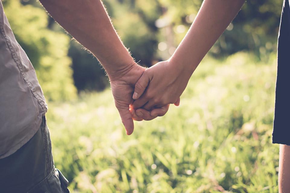 картинки руки пары на природе как